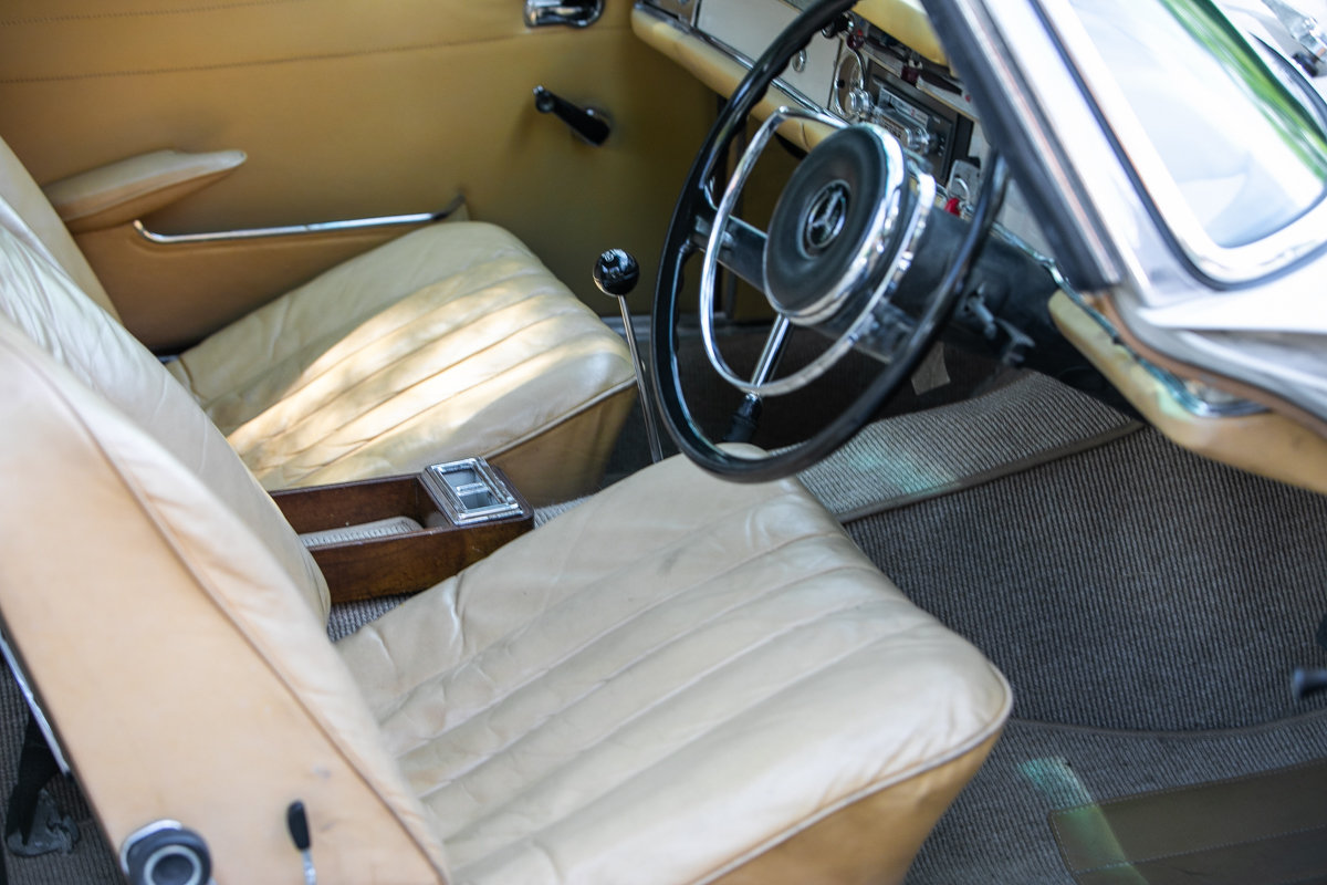 1966 Mercedes-Benz 230 SL Pagoda SOLD by Auction (picture 6 of 6)