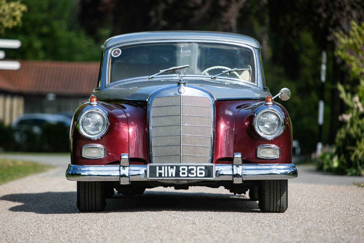 1960 Mercedes-Benz 300D (W189) Phaeton SOLD by Auction (picture 2 of 6)