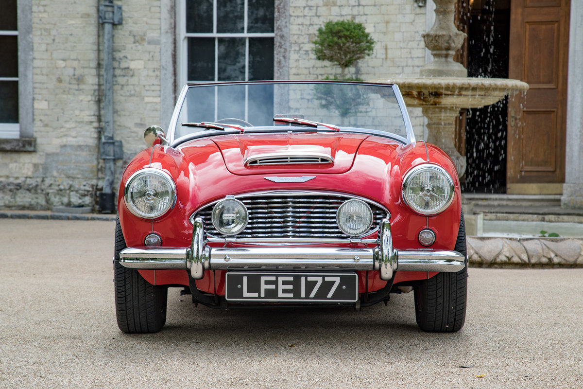 AUSTIN HEALEY 100/6 | FULLY RESTORED, UK RHD & UPGRADED SOLD (picture 2 of 6)