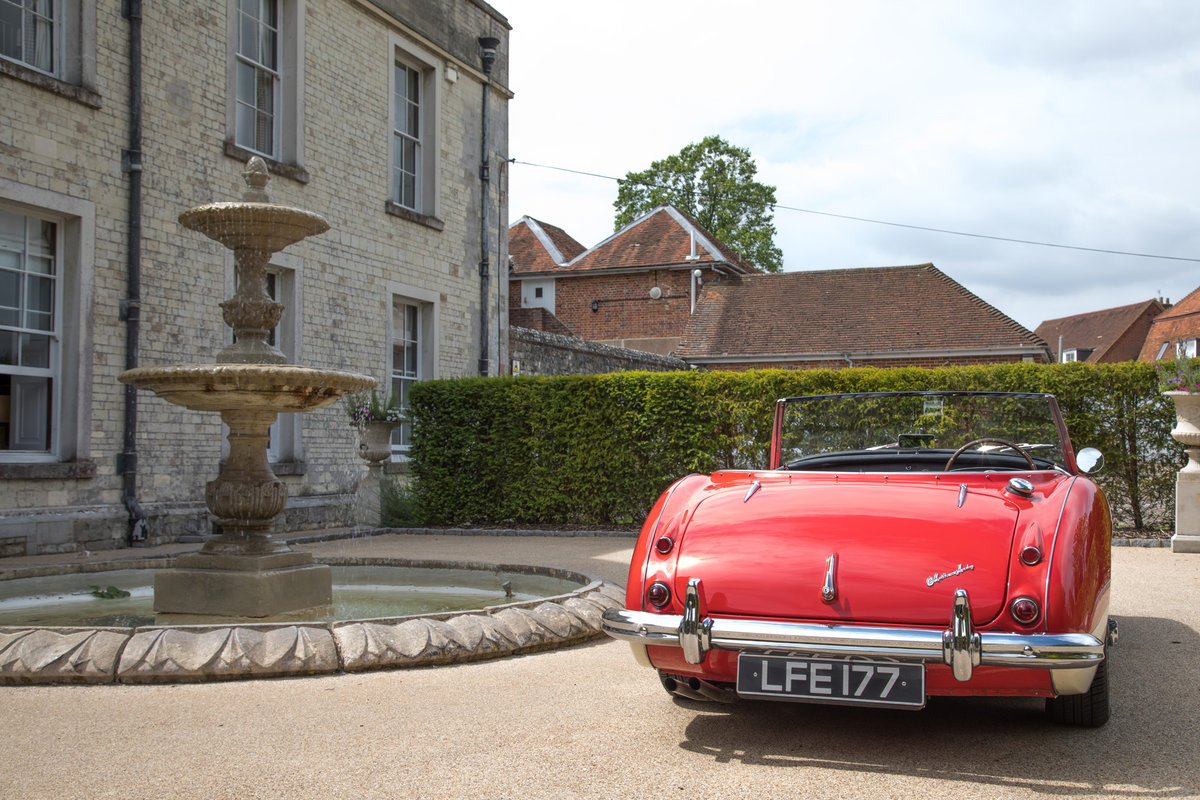AUSTIN HEALEY 100/6 | FULLY RESTORED, UK RHD & UPGRADED SOLD (picture 4 of 6)