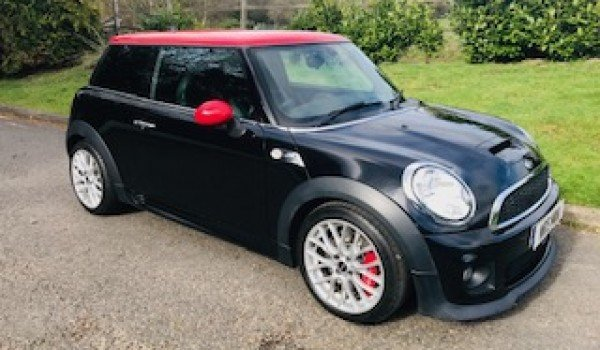 2011 / 61 JOHN COOPER WORKS MINI HATCH For Sale (picture 1 of 1)