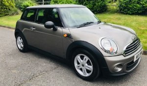 2011 MINI ONE AUTOMATIC in Velvet Silver with Salt Pack & Lo