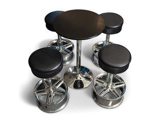 Momo Arrow Wheel Stools and Table For Sale by Auction