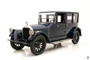 1921 PIERCE ARROW MODEL 32 VESTIBULE SUBURBAN For Sale