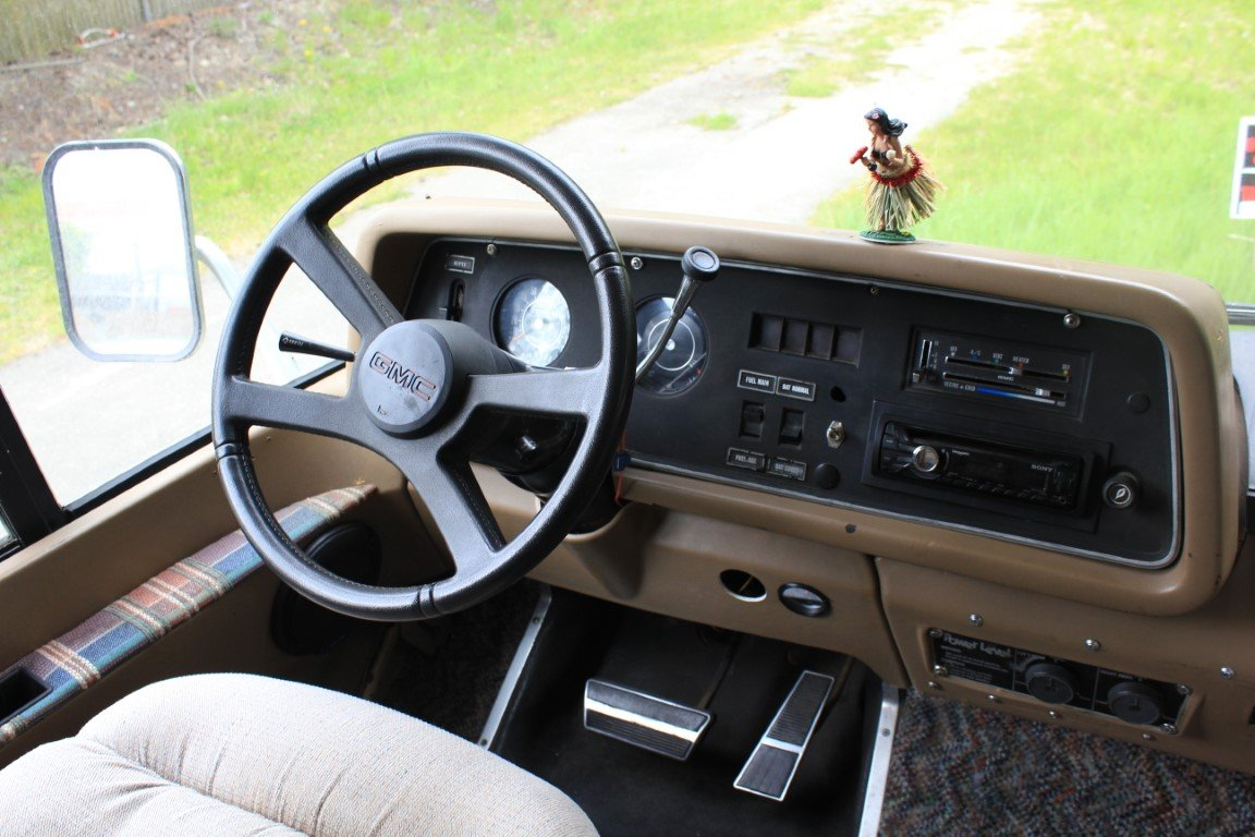 1973 GMC Eleganza RV Class A - Lot 626 For Sale by Auction (picture 5 of 6)