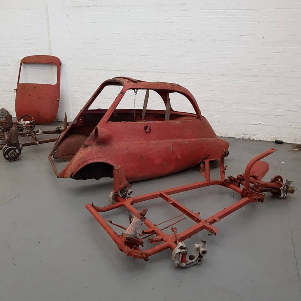 1959 Isetta 300 Barn find with loads of spares For Sale (picture 1 of 6)