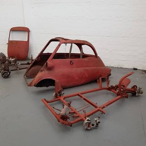 1959 Isetta 300 Barn find with loads of spares