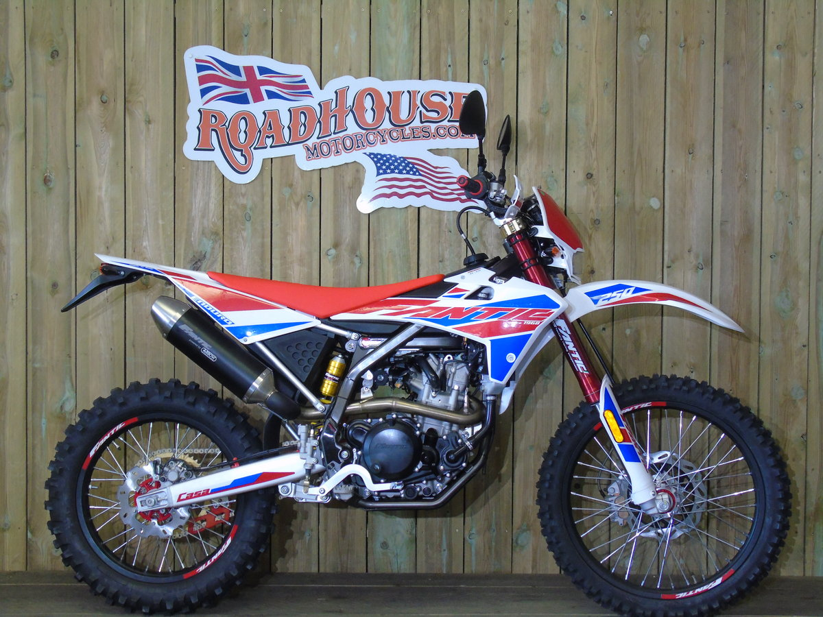 2020 Fantic Casa 250 Enduro EFi Brand New 0% Finance UK Delivery For Sale (picture 1 of 6)