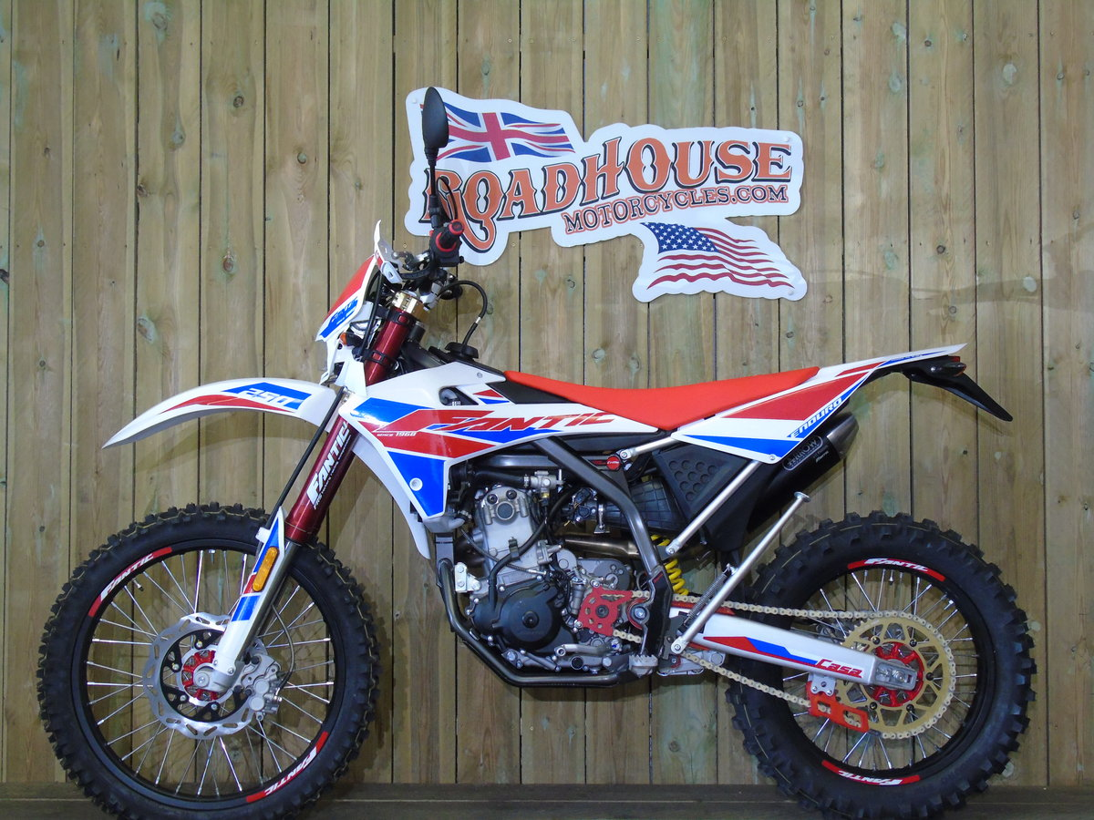 2020 Fantic Casa 250 Enduro EFi Brand New 0% Finance UK Delivery For Sale (picture 2 of 6)