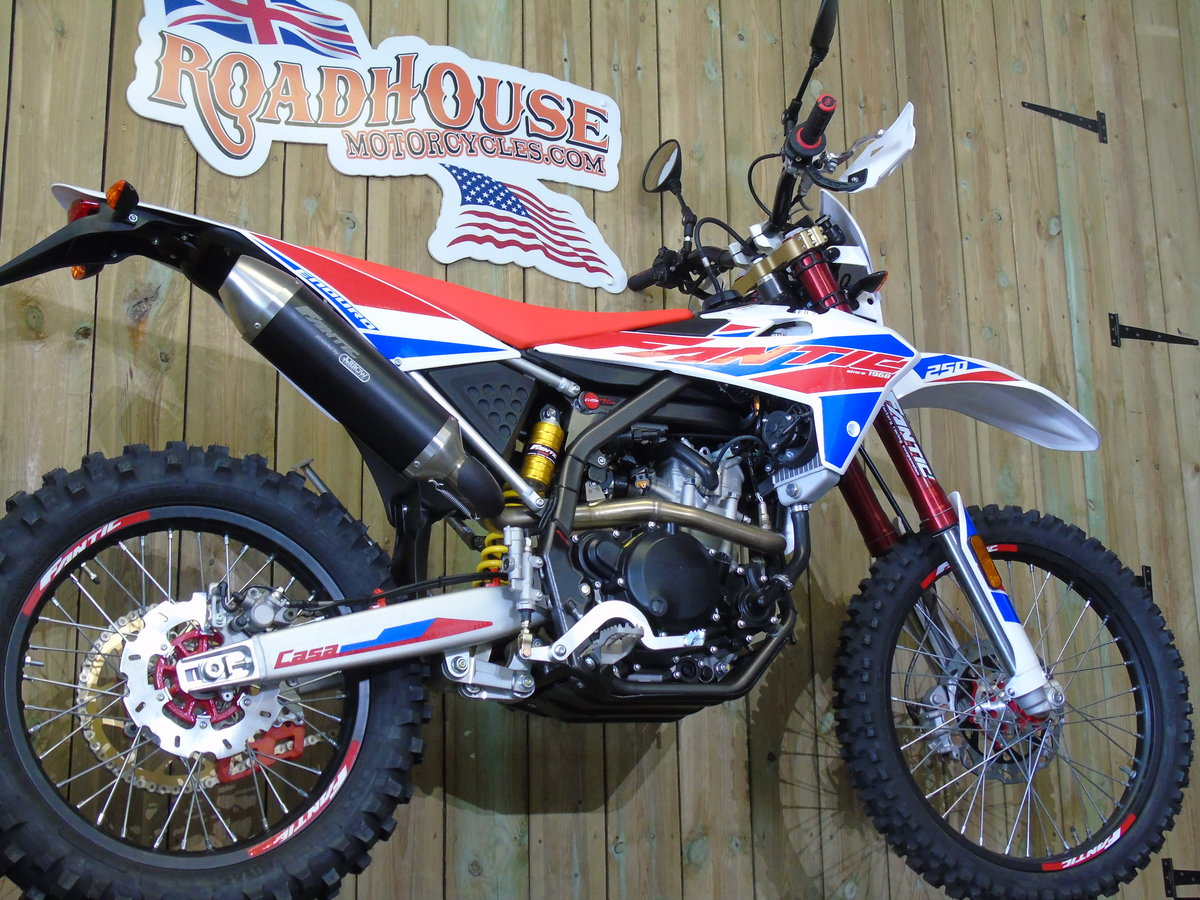 2020 Fantic Casa 250 Enduro EFi Brand New 0% Finance UK Delivery For Sale (picture 5 of 6)