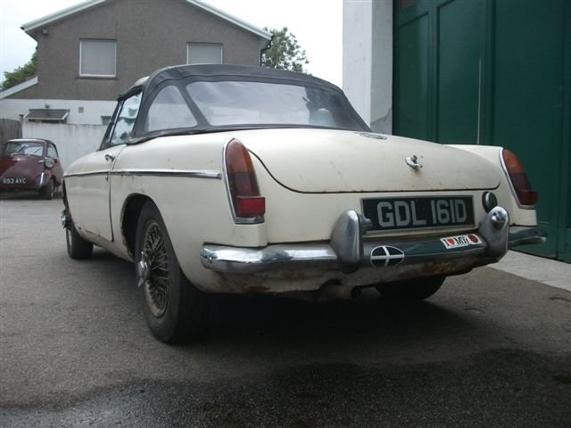 1966 MGB Roadster project, 3 owners, original car! SOLD (picture 2 of 6)