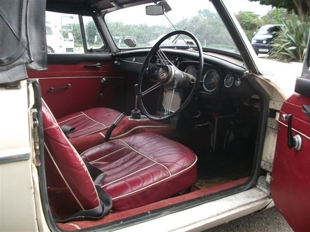 1966 MGB Roadster project, 3 owners, original car! SOLD (picture 4 of 6)