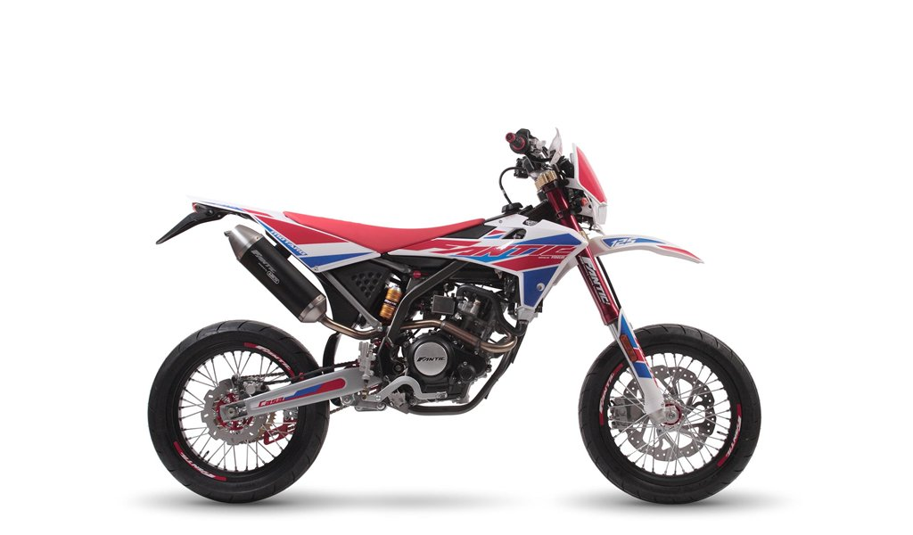 2020 Fantic Casa 125M Super Motard Brand New 0% Finance For Sale (picture 1 of 3)