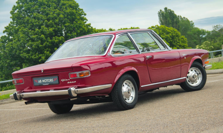 1967 Exceptionnal rare GLAS 2600 V8 Coupé For Sale (picture 2 of 6)