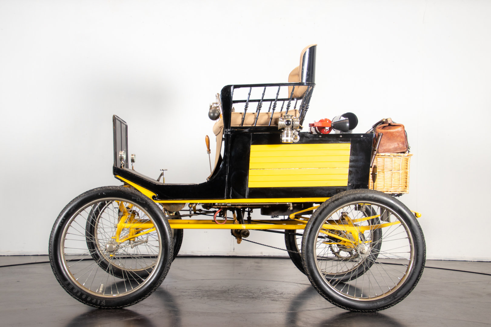 LOCOMOBILE RUNABOUT (1900) For Sale (picture 2 of 6)