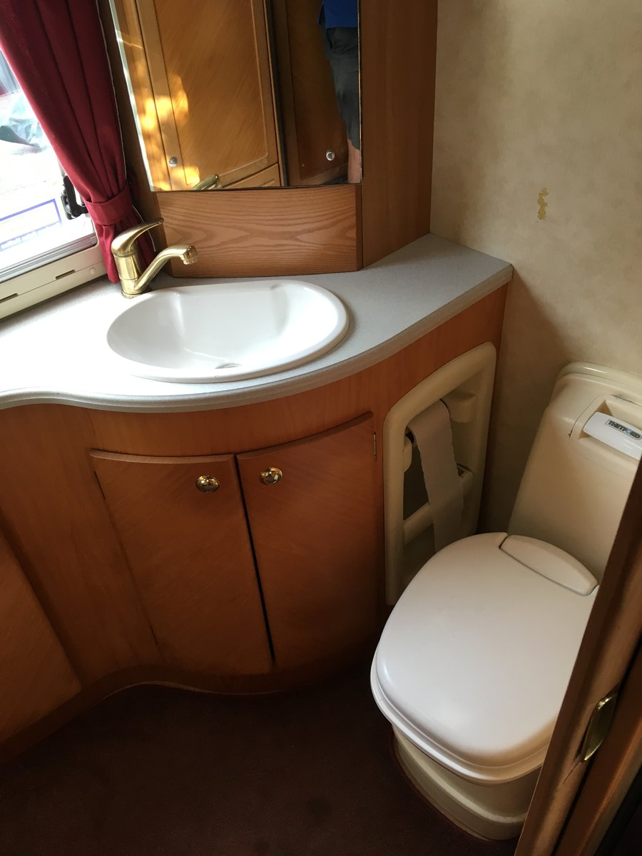 2001 Vw Sherborne auto sleeper For Sale (picture 2 of 6)