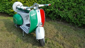 1965 Piaggio vespa vbb scooter year - italian flag For Sale