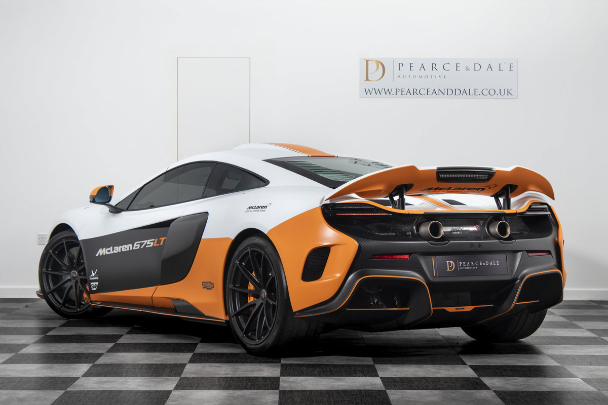 2016 / 16 McLaren 675 LT MSO COUPE SOLD (picture 3 of 6)