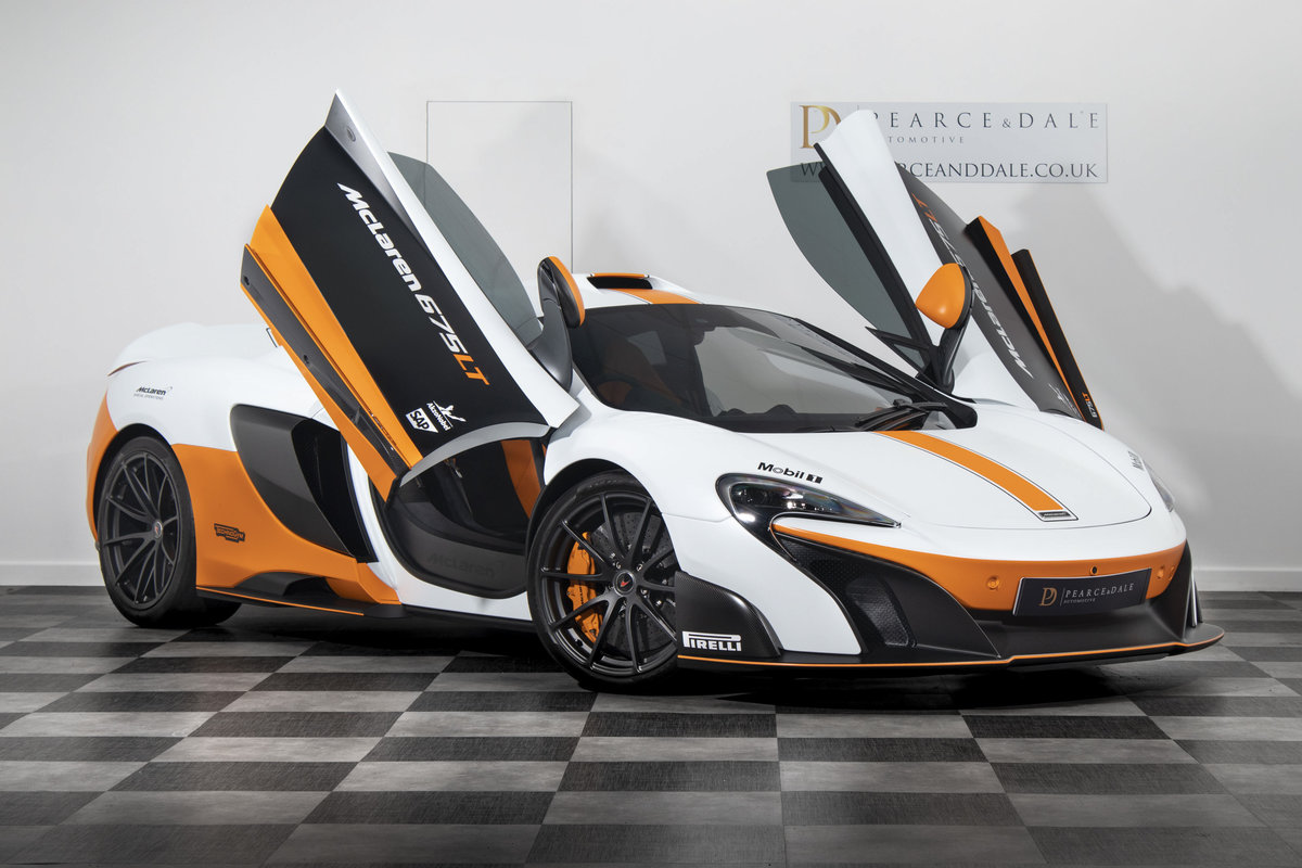 2016 / 16 McLaren 675 LT MSO COUPE SOLD (picture 2 of 6)