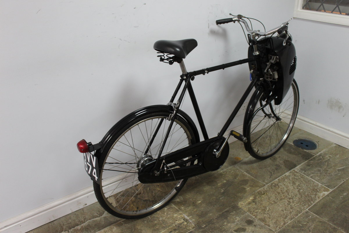 1952 Cymoto On A Period Raleigh Sports Tourist Bicycle   SOLD (picture 2 of 5)