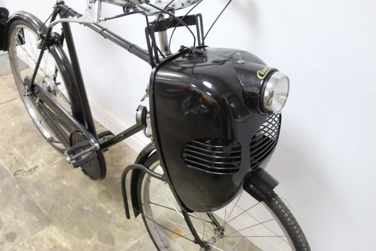 1952 Cymoto On A Period Raleigh Sports Tourist Bicycle   SOLD (picture 3 of 5)