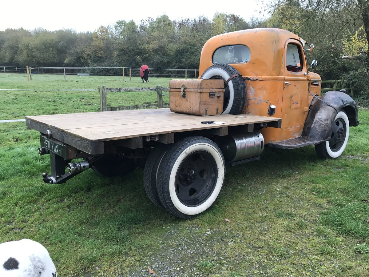 1940 Int Harvester Cool truck, natural patina, head tur For Sale (picture 5 of 6)