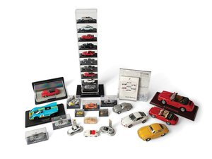 Porsche Model Car Display with Brochure Display For Sale by Auction