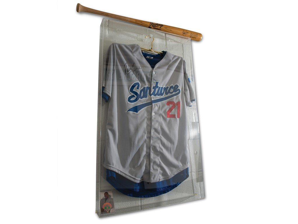 Ruben Sierra Autographed Jersey and Bat For Sale by Auction (picture 1 of 2)