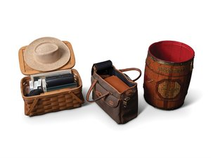 Automotive Themed Old Speckled Hen Barrel, Land Rover Picnic For Sale by Auction
