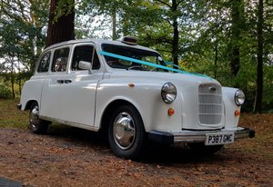 London Taxi convertible wedding car