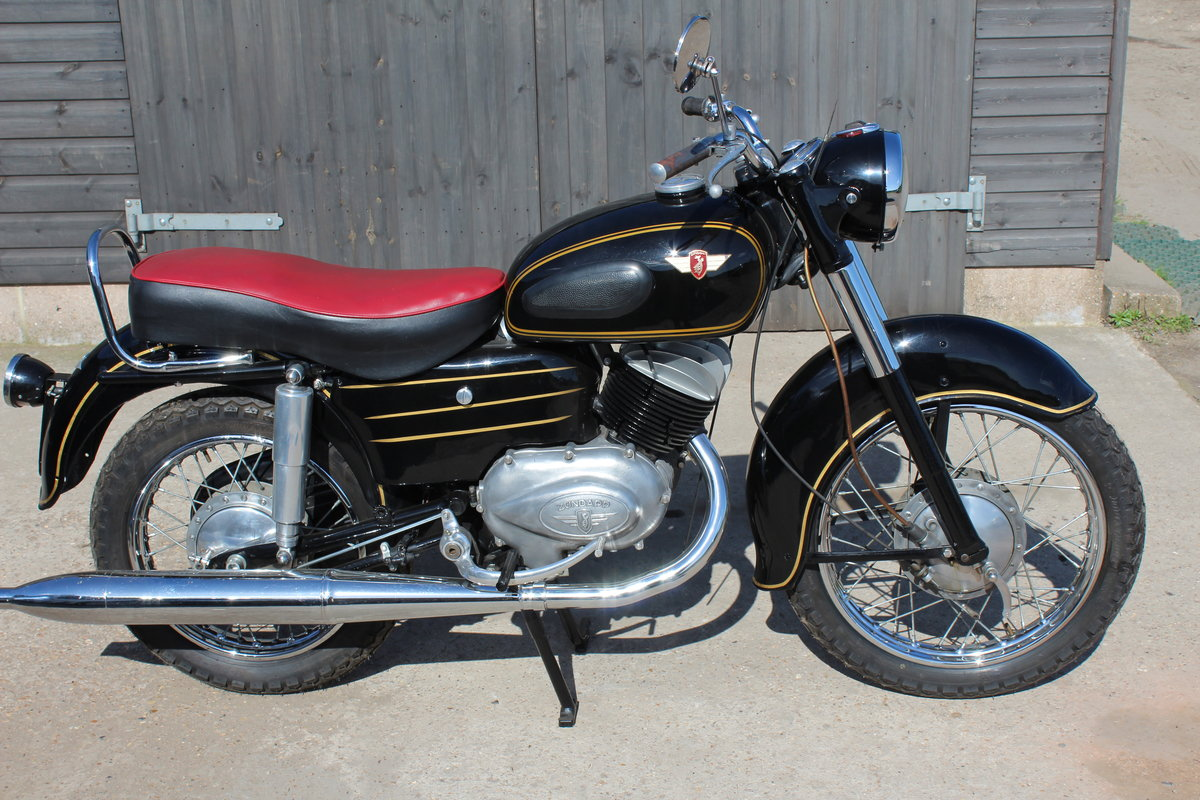 1956 Zundapp 200S Classic German motorcycle For Sale (picture 2 of 6)