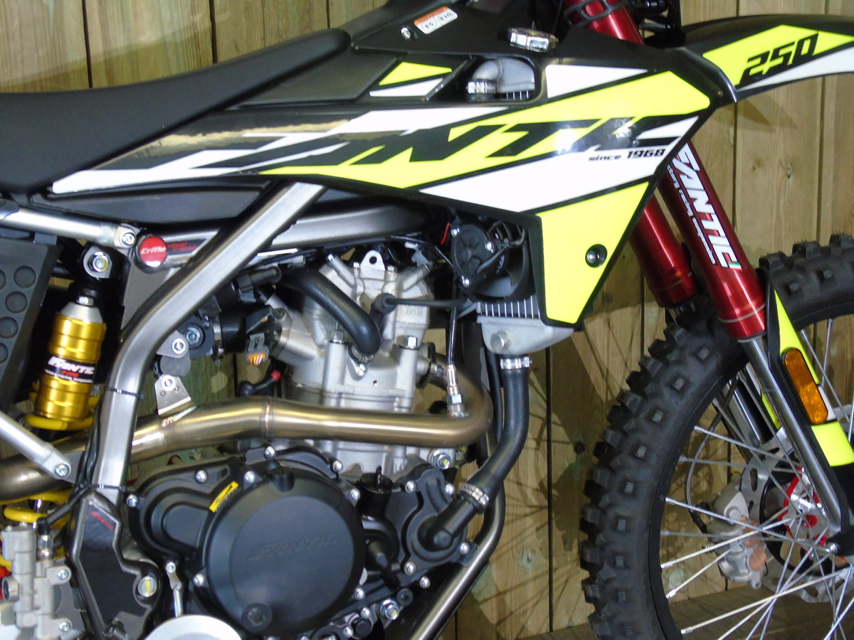 2020 Fantic Casa 250 Enduro EFi Brand New 0% Finance For Sale (picture 3 of 6)