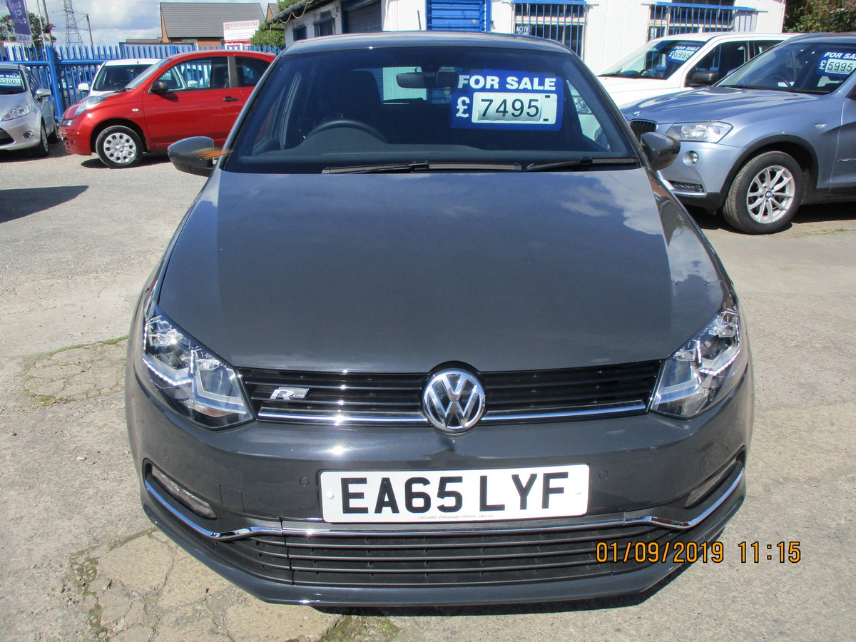 2015 POLO 1LTR R-LINE 5 DOOR SPORTY CAR JUST 47,000K READ LISTING For Sale (picture 1 of 6)