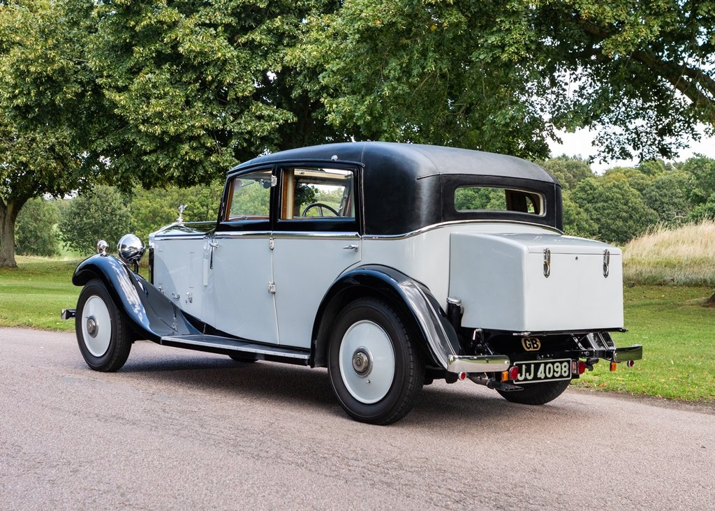1933 Rolls-Royce 2025 Saloon by Lancefield SOLD by Auction (picture 4 of 6)