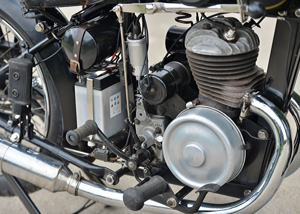 1937 Francis Barnett Seagull 250cc Villiers SOLD by Auction (picture 3 of 6)