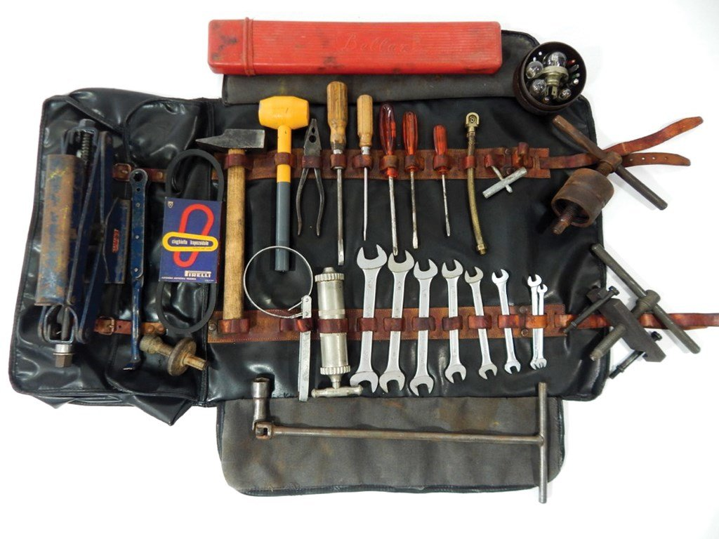 Ferrari 275 GTB Complete Tool Kit For Sale by Auction (picture 1 of 5)