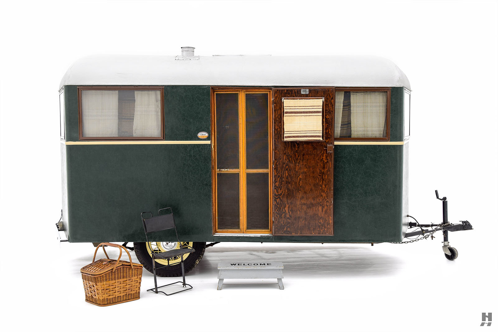1934 Covered Wagon Camping Trailer For Sale (picture 1 of 6)