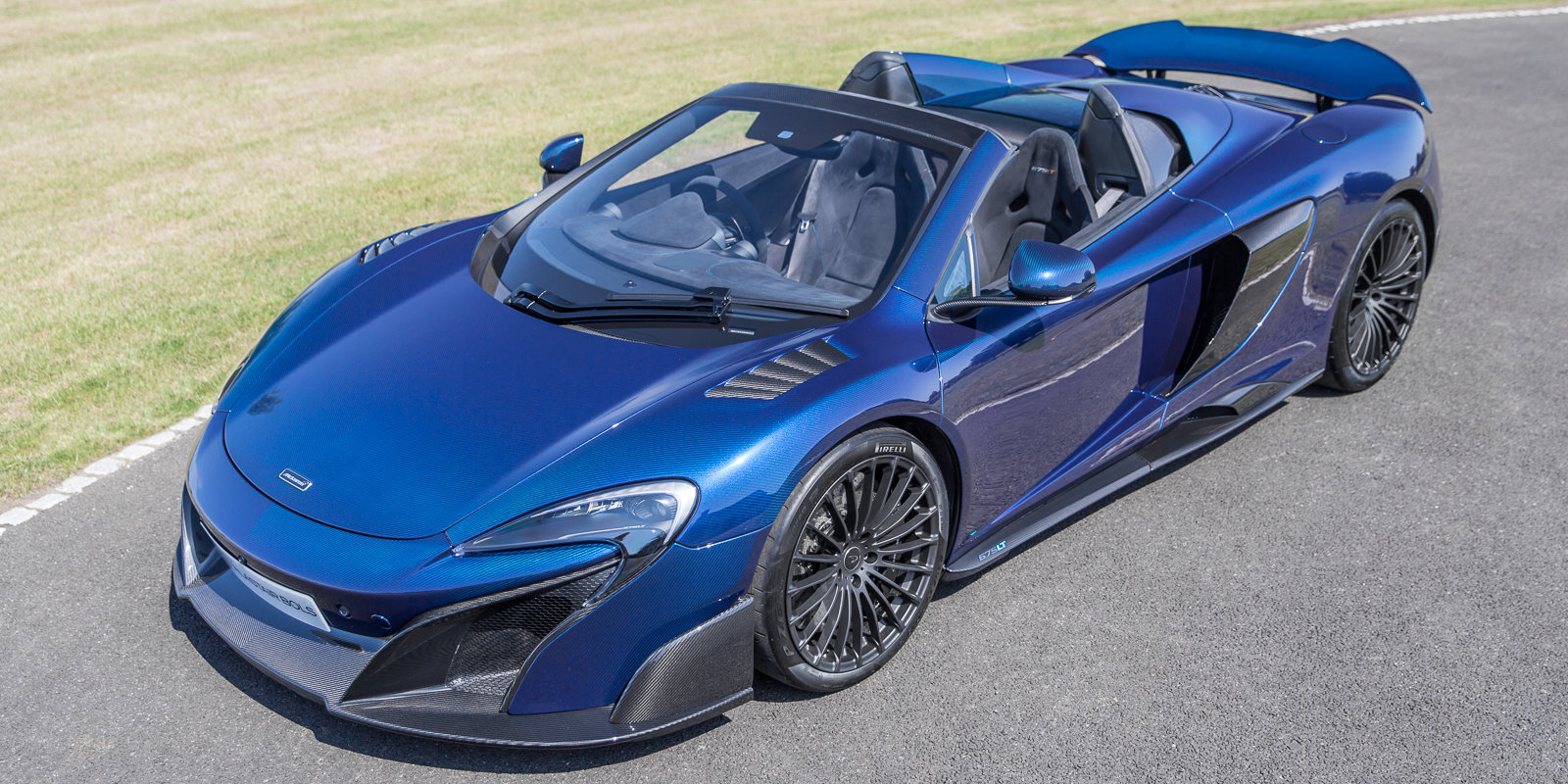 2012 McLaren 675LT Spider Carbon Series in Metallic blue clear For Sale (picture 1 of 6)
