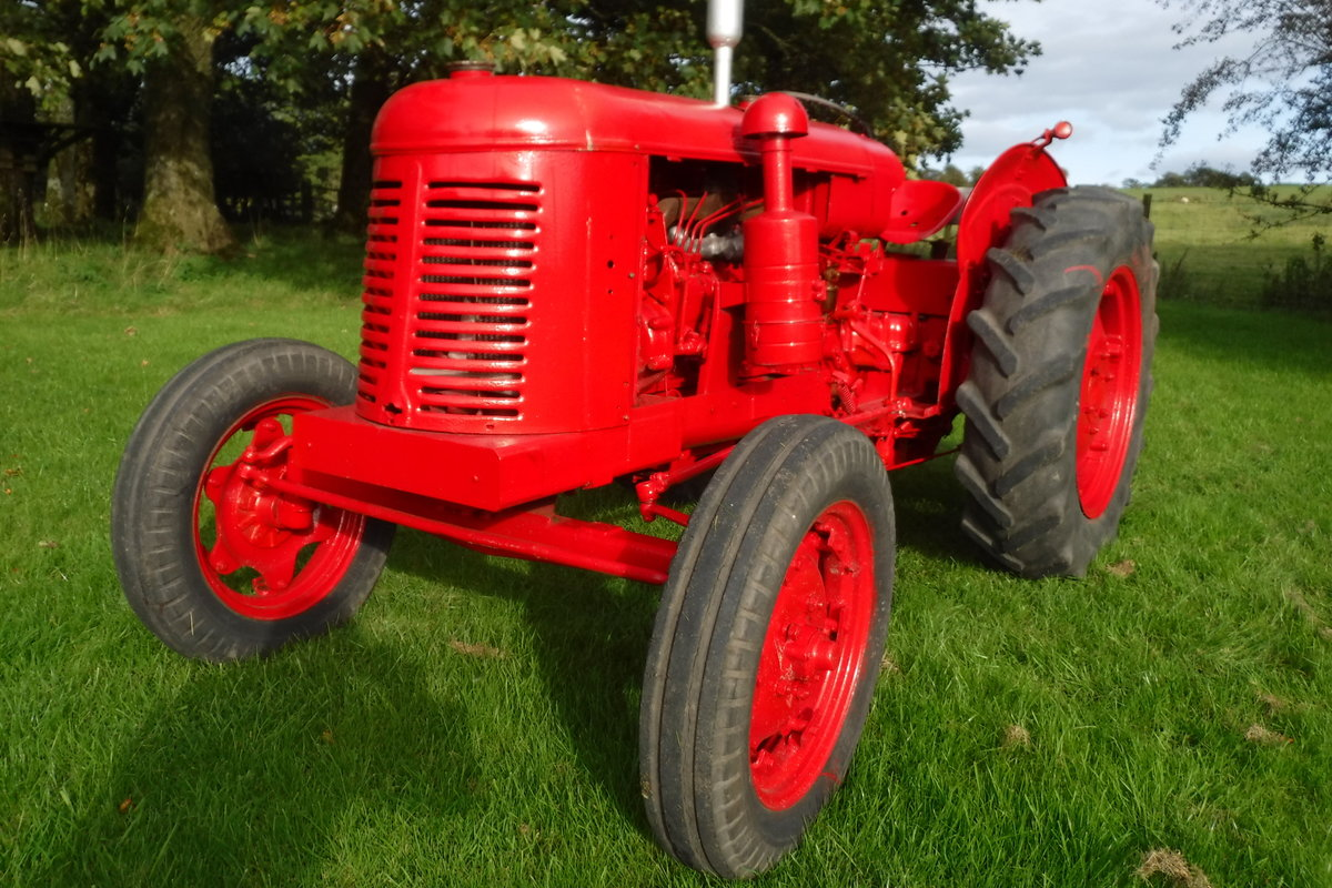 1957 DAVID BROWN 25D GREAT RUNNING DIESEL VINATGE TRACTOR For Sale (picture 1 of 6)