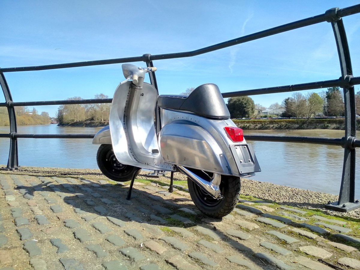 1981 PIAGGIO VESPA 100 - FULLY RESTORED - FINISHED IN RAW STEEL For Sale (picture 6 of 6)