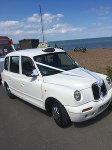 Picture of 2002 White London Taxi