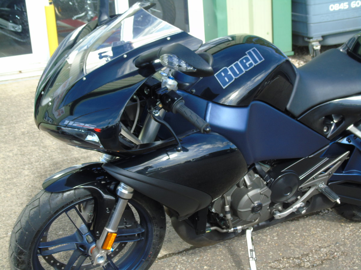 Buell 1125 R 2009 1 Private Owner & Only 335 Miles  For Sale (picture 3 of 6)