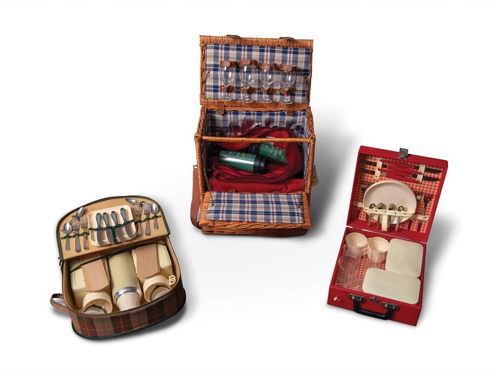 Picnic Set Collectibles For Sale by Auction (picture 1 of 1)