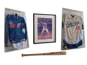 Juan Gonzlez Autographed Jersey, Bat, and Photograph Additio For Sale by Auction