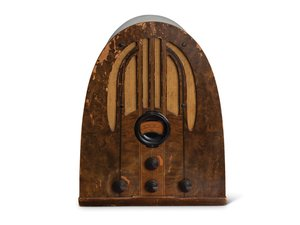 Vintage Philco Radio For Sale by Auction