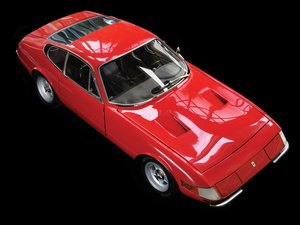 Ferrari 365 GTB4 Daytona 18 Scale Model For Sale by Auction