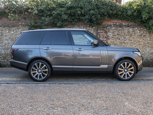 2015 Land Rover    SDV8 Autobiography - 4.4 Litre For Sale
