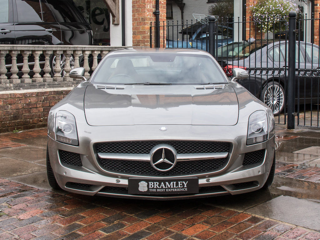 2010 Mercedes-Benz    SLS AMG For Sale (picture 3 of 18)