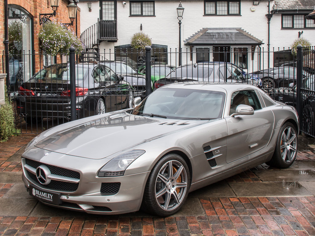 2010 Mercedes-Benz    SLS AMG For Sale (picture 4 of 18)