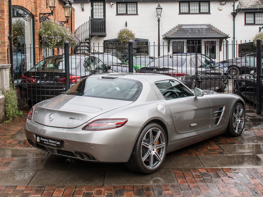 2010 Mercedes-Benz    SLS AMG For Sale (picture 7 of 18)